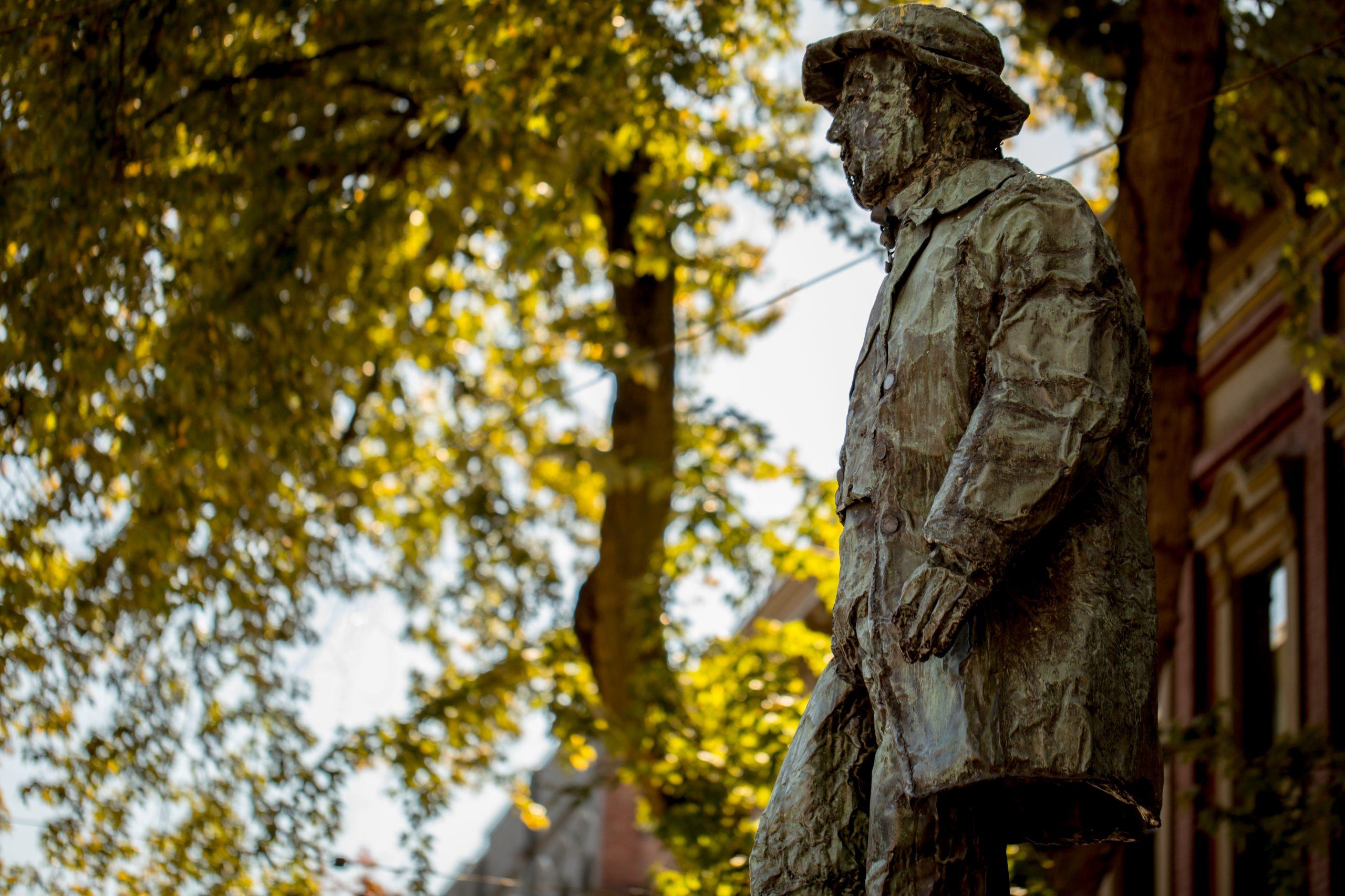 Gastown Vancouver Gassy Jack Deighton Statue